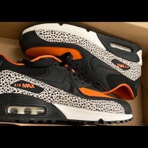 Nike Air max orange and black